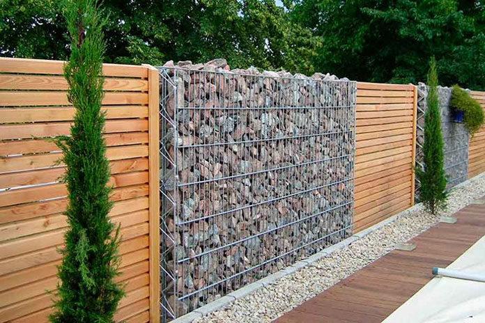 Pomysły na ciekawe ogrodzenie posesji