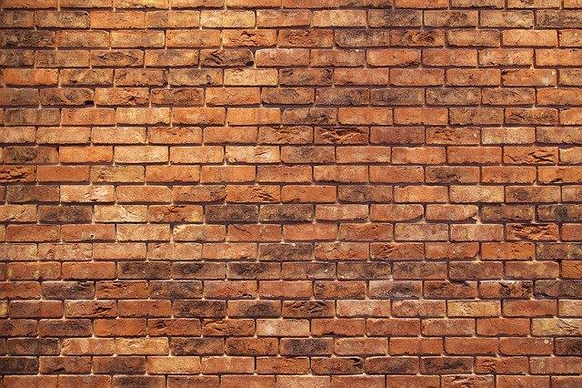 Aranżacja wnętrz - układanie cegły dekoracyjnej
